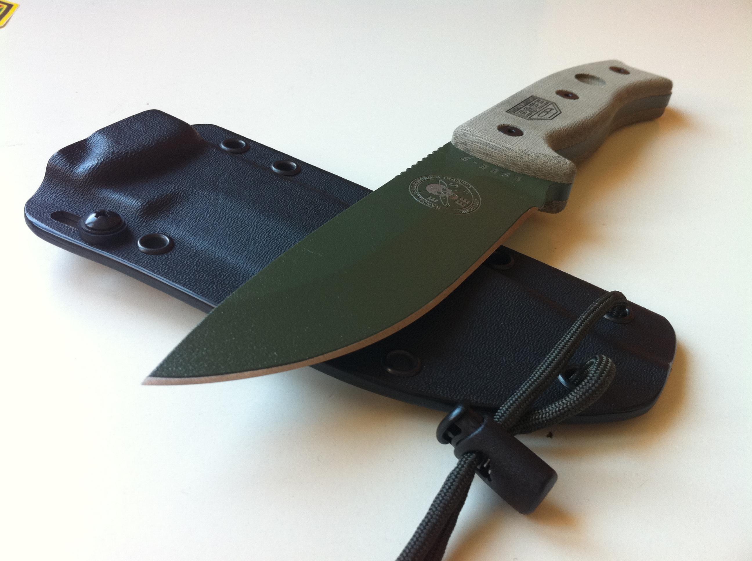 Revue et test du couteau Esee 5 – incassable !